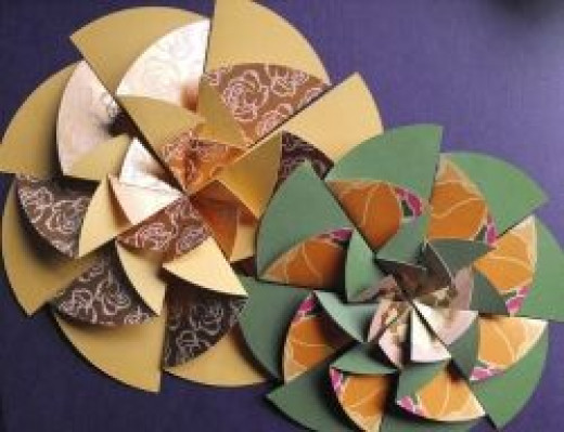 Half circle paper rosette