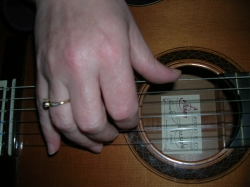 A Good Fingerstyle Playing Position
