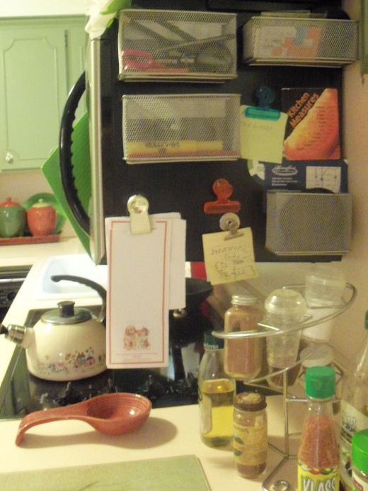 future site of magnetic spice jars :) on the microwave which is just above my stove- handy for cooking