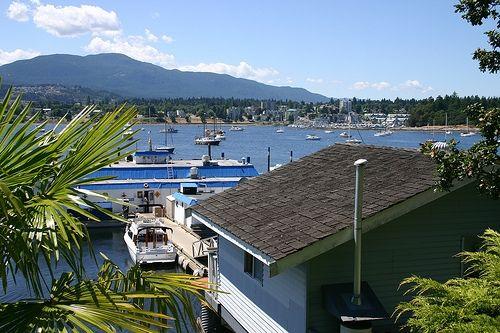 Nanaimo harbor, Dingy Dock floating pub, Protection Island