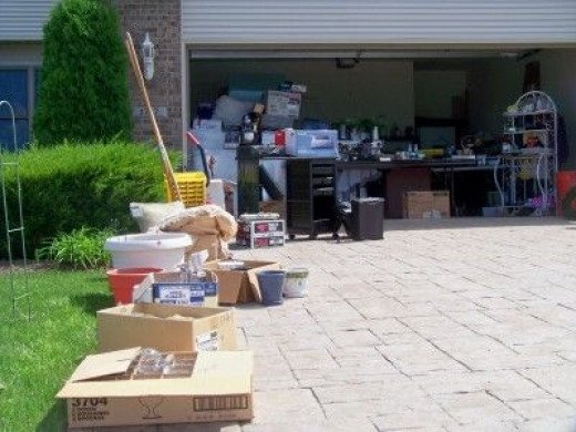 Using the sides of the driveway allow customers room to walk and see more of what you have for sale