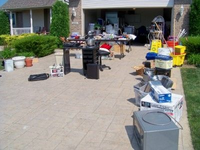 Use as much space in your driveway as possible to allow the drive-bys to check it out! Rearrange it until you like how it looks. I have two Kitchen Aid mixers so am selling one - don't think people don't want used good working kitchen or other equipm