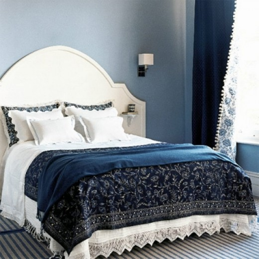 Try throwing in another color with the Black & White - try BLUE!