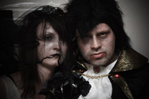 http://www.publicdomainpictures.net/view-image.php?image=10714&picture=halloween-wedding