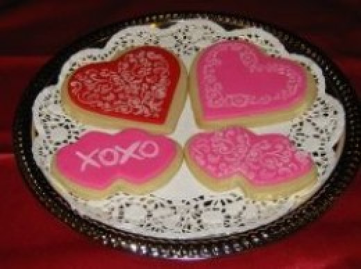 Red and pink stenciled cookies