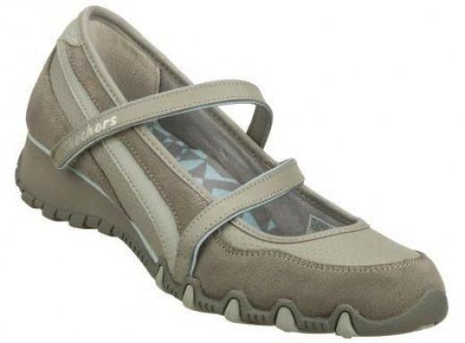 Skechers Sassies Stylized Womens Mary Jane Shoes