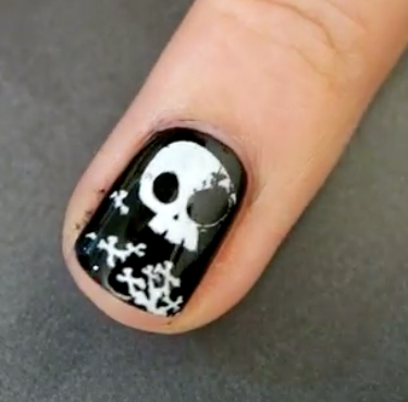 cute skull stamped nail art halloween manicure tutorial