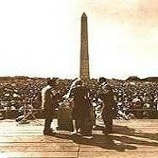 Peter Paul and Mary singing ast the Civil rights march on Washington