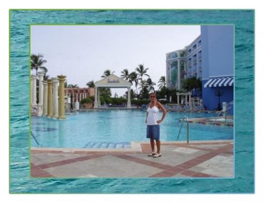 7 pools, 6 whirlpools, waterfalls, misting pool & swim up bars.