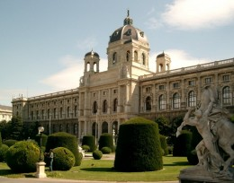 Kunsthistorisches Museum at Maria-Theresa-Square