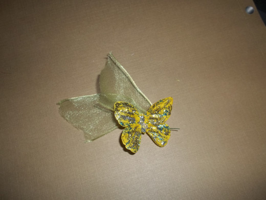 This is how the butterfly should look once the wire is applied and the tail is created