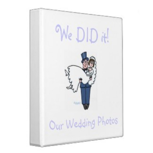 """For a better look at this funny wedding photos binder, please click """"Scrapbook Ideas"""" in the openingparagraph,above."""