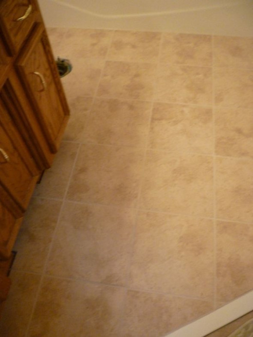 Beautiful, clean SnapStone floating porcelain tile floor!