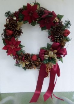 Christmas Cinnamon Pine Cone Wreath