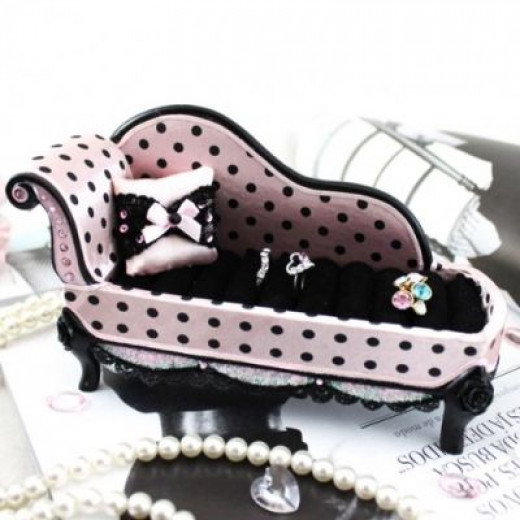 Polka Dot Lounge Chair Ring Holder Available on Amazon