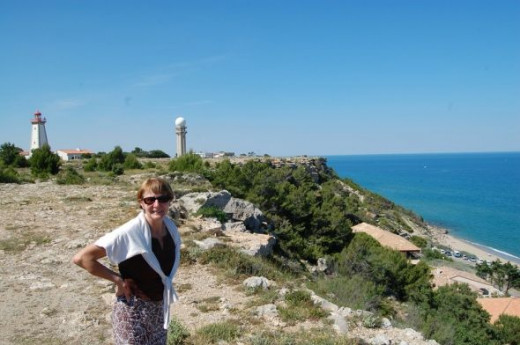 You can send a signal or two from Le Cap Leucate using the semaphore station that overlooks the sandy beaches