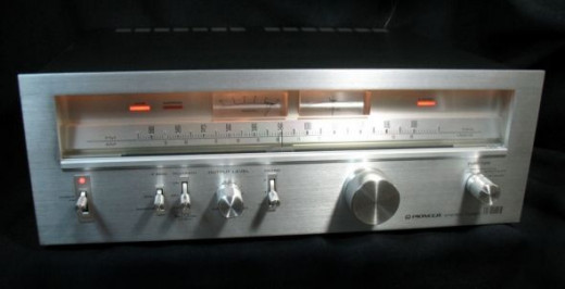 Pioneer TX-9500 II Tuner At Night