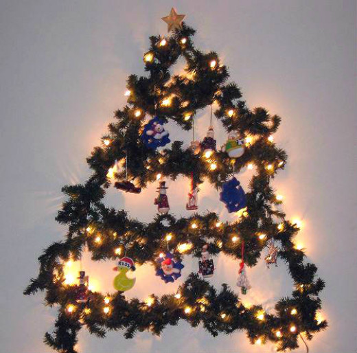 Christmas Garland Tree by chedderfish
