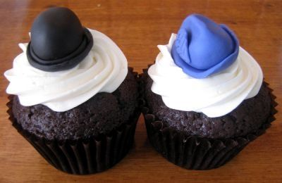 Hat Cupcakes by Clever Cupcakes