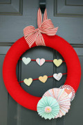 You can find out how to make this great looking Valentine's Day wreath at meandmyscraps.blogspot.com   It's a quick and easy craft project for you.
