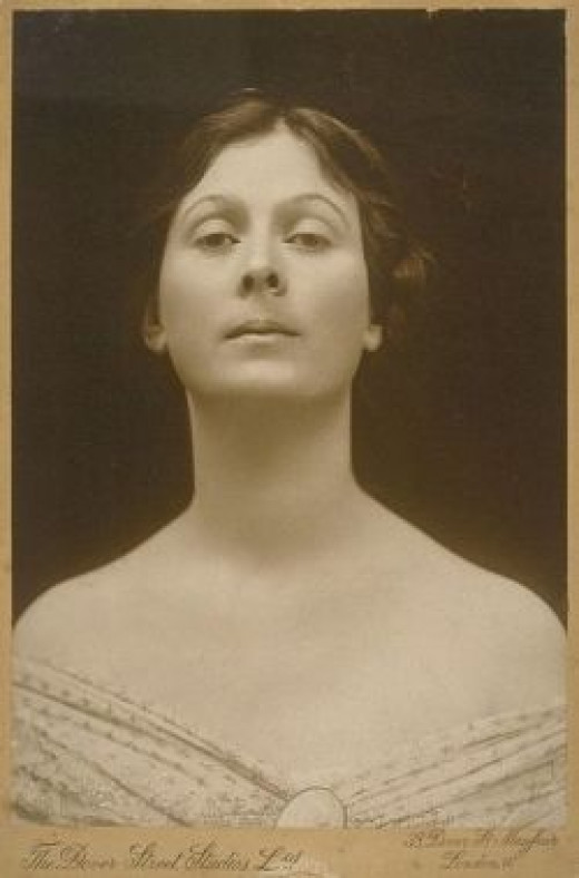 Isadora Duncan picture from the public domain.