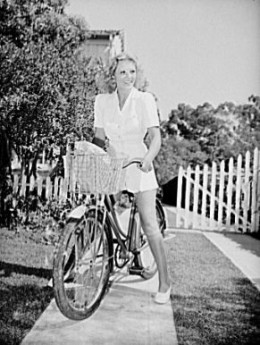 Here's a 1940s sporty look to wear for Halloween this  year.  This active wear picture is from Wikipedia and is in the public domain.