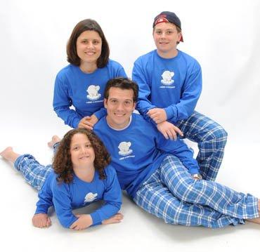 matching-christmas-pajamas-for-the-family