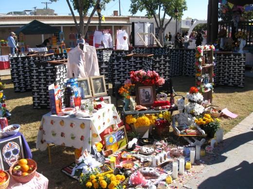 El Día de los Muertos altars
