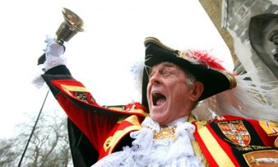 Town Crier ringing the bell