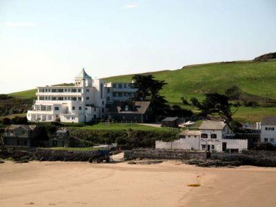 Burgh Island Hotel and The Pilchard Inn