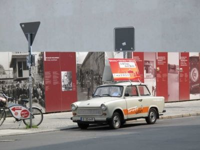 Photo: Memorial and Checkpoint Charlie