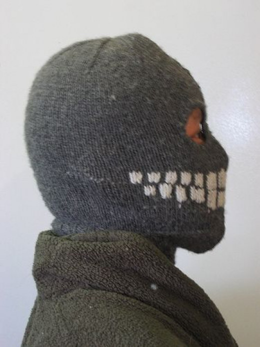 Knitted Skull Mask