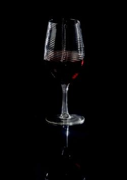 Red Wine in the Aurora Aerating Glass