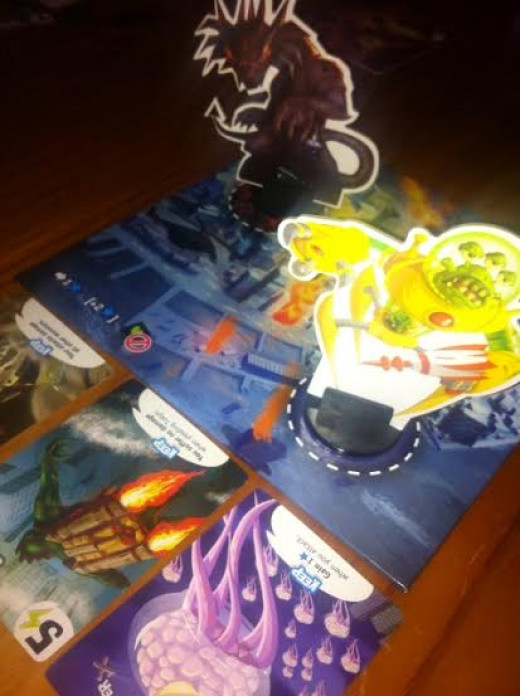 The King of Tokyo in action - monsters in the city and the bay!