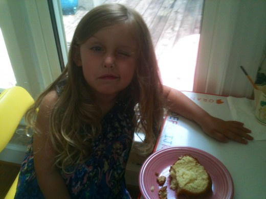 Funny face! But the pound cake is delish!